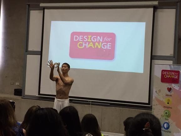 Algunos invitados al evento como este joven que vino directo de Taiwán a mostrar su performance del Cirque du Soleil